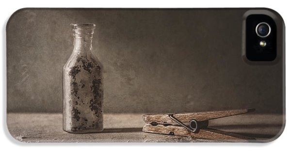 Apothecary Bottle And Clothes Pin IPhone 5 Case by Scott Norris