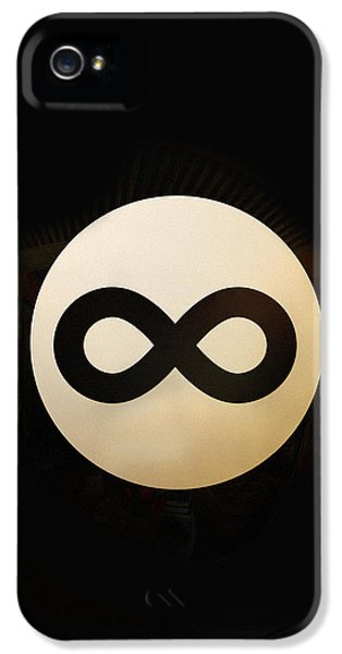 Magician iPhone 5 Case - Infinity Ball by Nicholas Ely