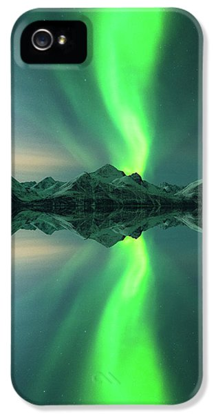 Aurora Powersurge IPhone 5 Case by Tor-Ivar Naess