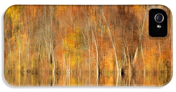 Autumns Final Palette IPhone 5 Case by Everet Regal