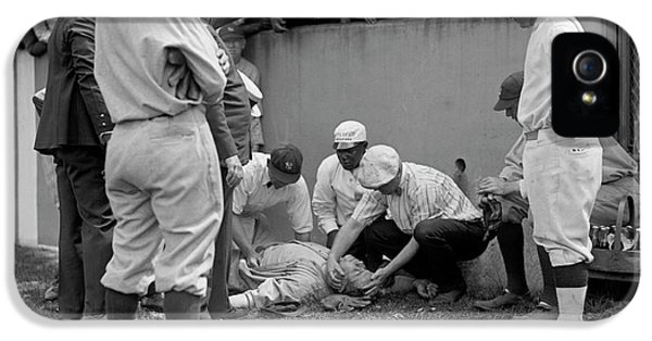 Babe Ruth Knocked Out By A Wild Pitch IPhone 5 Case