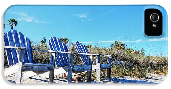Beach Art - Waiting For Friends - Sharon Cummings IPhone 5 Case by Sharon Cummings
