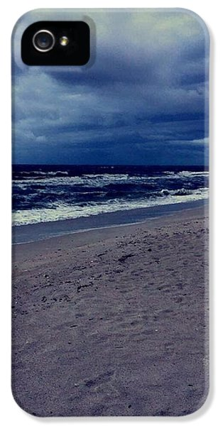 iPhone 5 Case - Beach by Kristina Lebron