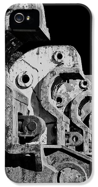 IPhone 5 Case featuring the photograph Beam Bender - Bw by Werner Padarin