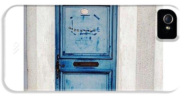 Blue iPhone 5 Case - Bienvenue...welcome by Georgia Fowler