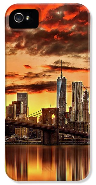 Blazing Manhattan Skyline IPhone 5 Case