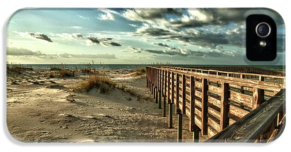 Boardwalk On The Beach IPhone 5 Case by Michael Thomas
