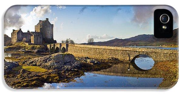 Bridge To Eilean Donan IPhone 5 Case by Gary Eason