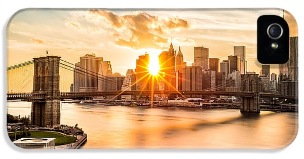 Brooklyn Bridge And The Lower Manhattan Skyline At Sunset IPhone 5 Case