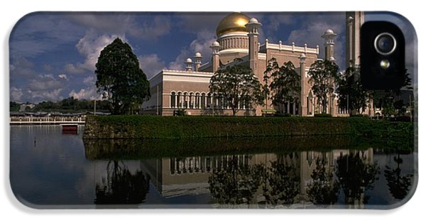 Brunei Mosque IPhone 5 Case by Travel Pics