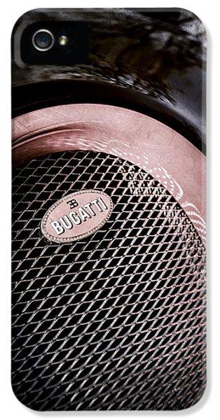 Bugatti Veyron Legend Grille Emblem -0514ac IPhone 5 Case