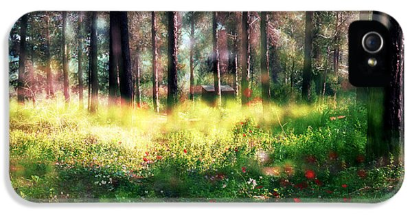 IPhone 5 Case featuring the photograph Cabin In The Woods In Menashe Forest by Dubi Roman