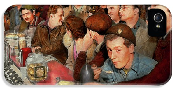 Cafe - Midnight Munchies 1943 IPhone 5 Case
