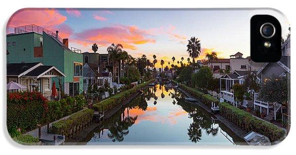 Venice Beach iPhone 5 Case - Canals Of Venice Beach by Sean Davey