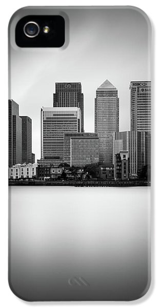Canary iPhone 5 Case - Canary Wharf II, London by Ivo Kerssemakers