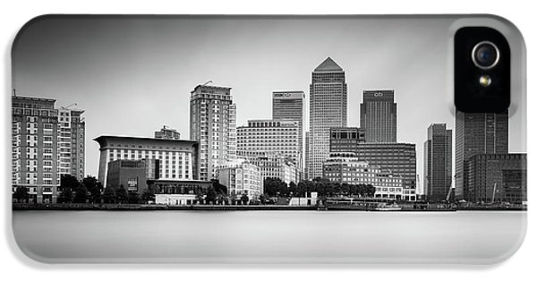 Canary iPhone 5 Case - Canary Wharf, London by Ivo Kerssemakers