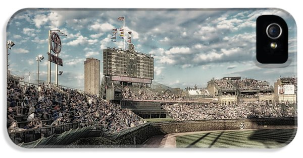 Chicago Cubs Original Scoreboard 05 IPhone 5 Case by Thomas Woolworth