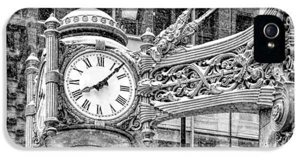 IPhone 5 Case featuring the photograph Chicago Marshall Field State Street Clock Black And White by Christopher Arndt