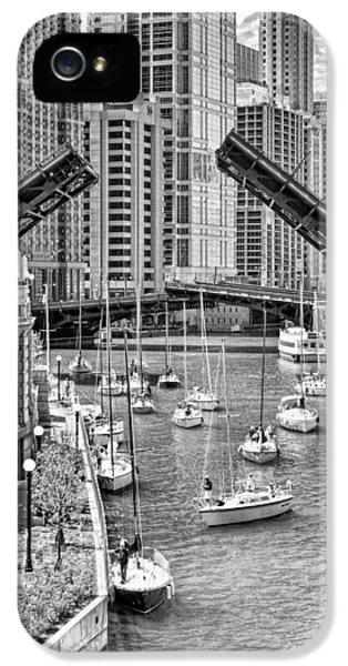 IPhone 5 Case featuring the photograph Chicago River Boat Migration In Black And White by Christopher Arndt