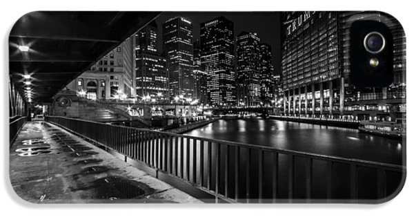Chicago River View In Black And White  IPhone 5 Case