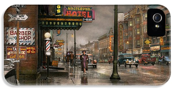 City - Amsterdam Ny -  Call 666 For Taxi 1941 IPhone 5 Case by Mike Savad