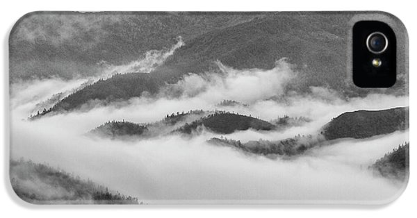 IPhone 5 Case featuring the photograph Clouds In Valley, Sa Pa, 2014 by Hitendra SINKAR