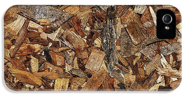 Coarse Wood Chips Abstract By Kaye Menner IPhone 5 Case by Kaye Menner