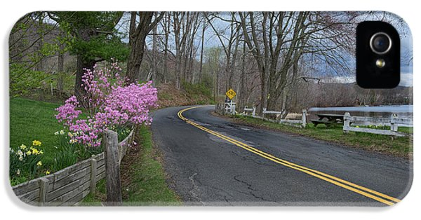 IPhone 5 Case featuring the photograph Connecticut Country Road by Bill Wakeley