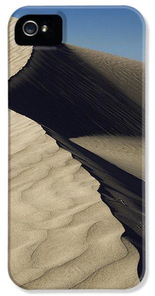 Desert iPhone 5 Case - Contours by Chad Dutson