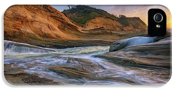 Oregon State iPhone 5 Case - Cove At Cape Kiwanda, Oregon by Rick Berk