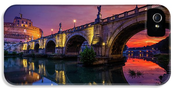 Dawn By The Tiber River IPhone 5 Case by Inge Johnsson