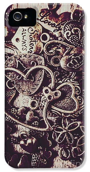 Pendant iPhone 5 Case - Decorating A Love Nest by Jorgo Photography - Wall Art Gallery