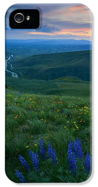 Dusk Over The Yakima Valley IPhone 5 Case by Mike  Dawson