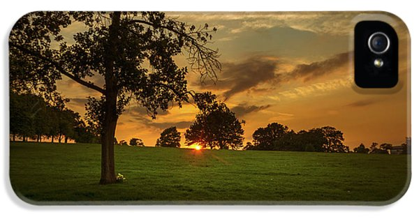 Evening Sun Over Brockwell Park IPhone 5 Case by Lenny Carter