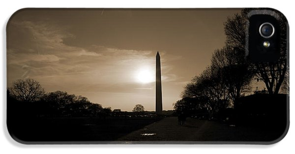 Washington Monument iPhone 5 Case - Evening Washington Monument Silhouette by Betsy Knapp