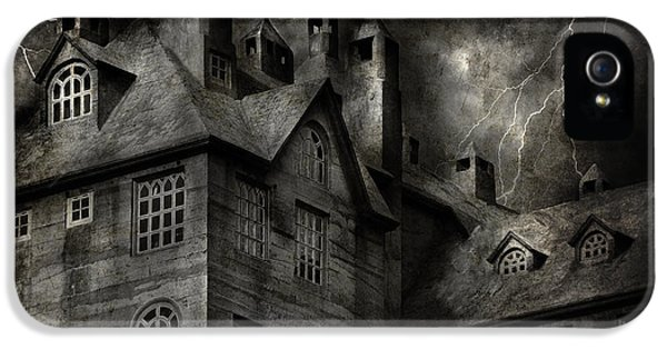 Realtor iPhone 5 Cases - Fantasy - Haunted - It was a dark and stormy night iPhone 5 Case by Mike Savad