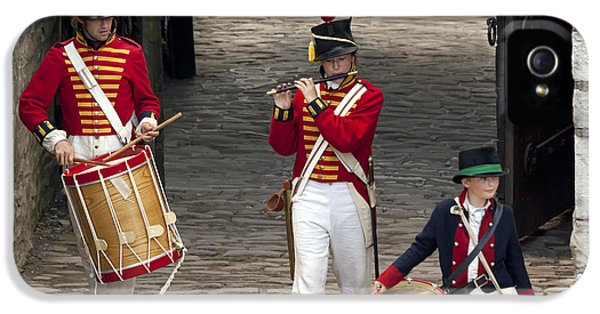 Fife And Drum IPhone 5 Case by Peter Chilelli