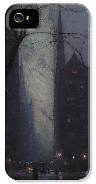 Fifth Avenue At Twilight IPhone 5 Case by Lowell Birge Harrison