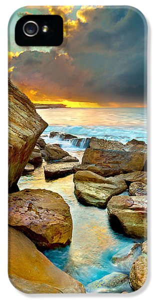 Featured Images iPhone 5 Case - Fire In The Sky by Az Jackson