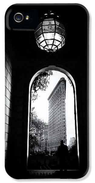 IPhone 5 Case featuring the photograph Flatiron Point Of View by Jessica Jenney