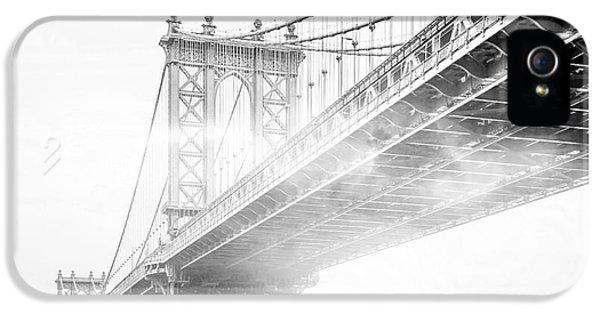 White iPhone 5 Case - Fog Under The Manhattan Bw by Az Jackson