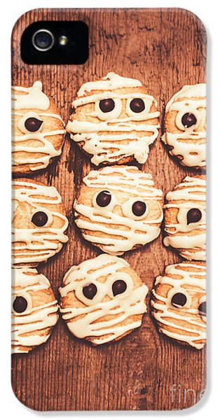 Frightened Mummy Baked Biscuits IPhone 5 Case