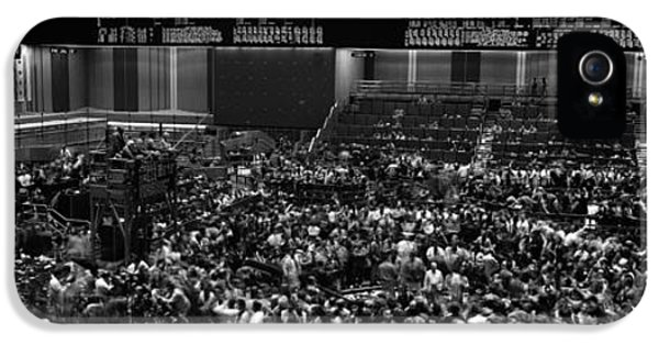 Grayscale Panoramic View Of Chicago Mercantile Exchange IPhone 5 Case