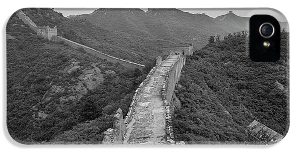 IPhone 5 Case featuring the photograph Great Wall 6, Jinshanling, 2016 by Hitendra SINKAR
