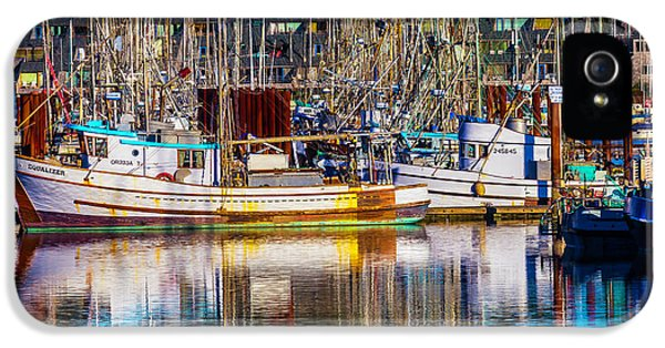 Harbor Boats IPhone 5 Case by Garry Gay
