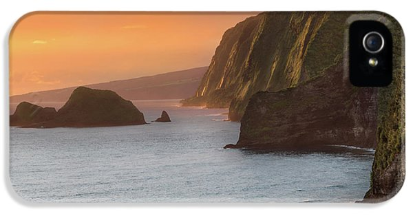 Hawaii Sunrise At The Pololu Valley Lookout 2 IPhone 5 Case by Larry Marshall