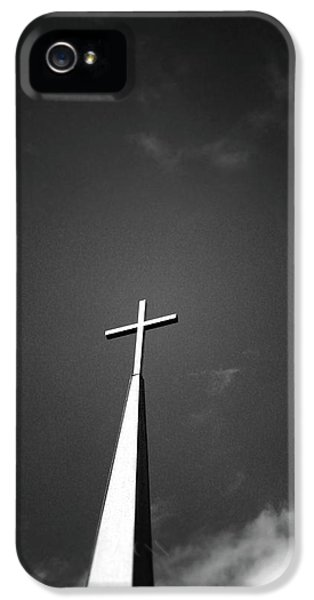 Cross iPhone 5 Case - Higher To Heaven - Black And White Photography By Linda Woods by Linda Woods