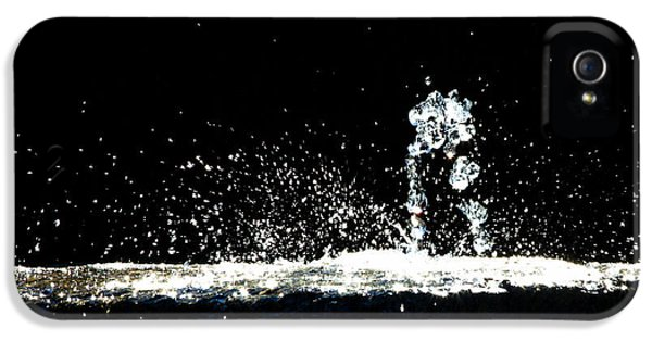 Horses And Men In Rain IPhone 5 Case by Bob Orsillo