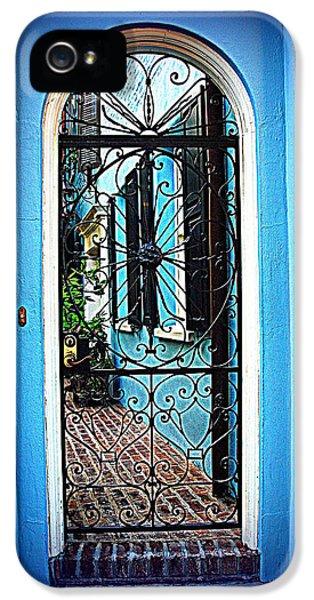 House Door 4 In Charleston Sc  IPhone 5 Case by Susanne Van Hulst