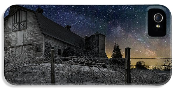 IPhone 5 Case featuring the photograph Interstellar Farm by Bill Wakeley